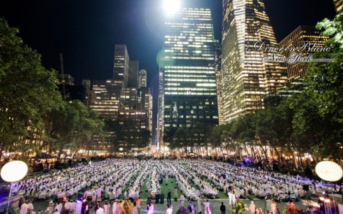Le Dîner en Blanc Paints New York City White