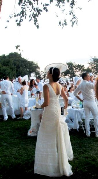 Diner en Blanc by Socially Superlative (6)