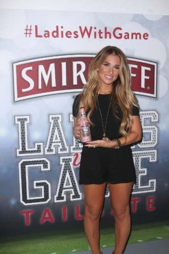 Smirnoff Ice Hosts Tailgate for Ladies with Game