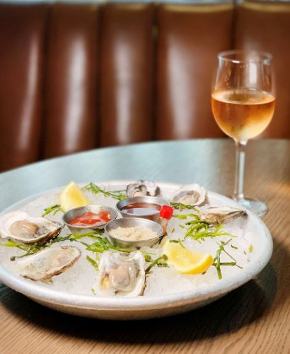 The Wayfarer's Oyster & Rosé Special